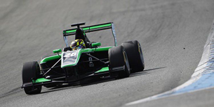 Nick Yelloly manda en el primer día en Jerez