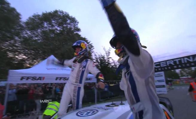 Sebastien Ogier celebra su título del WRC 2013