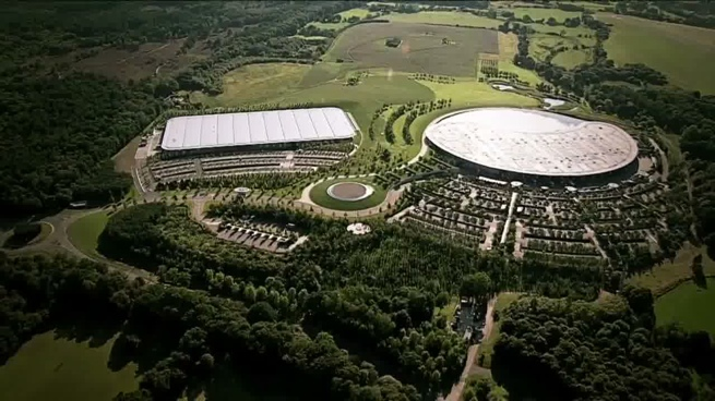 El McLaren Production Centre recibe la visita del Primer Ministro británico