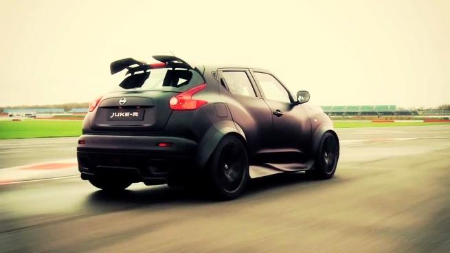 El Nissan Juke-R es probado en la pista