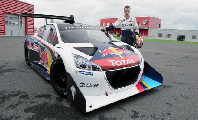 Kris Meeke prueba el Peugeot 208 T16 Pikes Peak