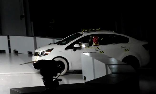 Crash test IIHS: Kia Rio