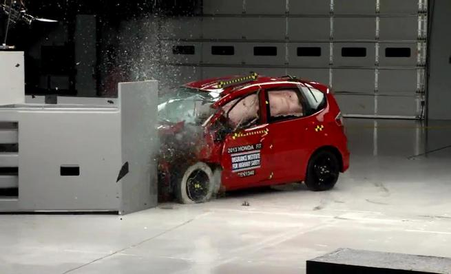 Crash test IIHS: Honda Fit