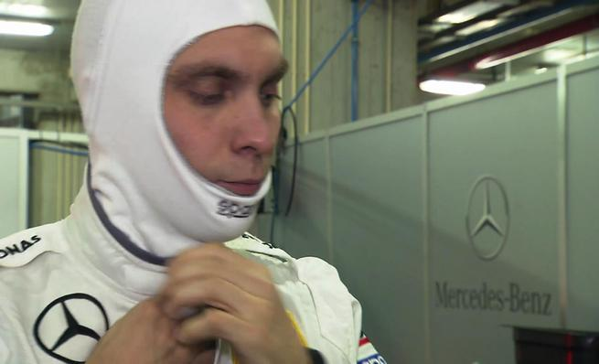 Vitaly Pretov realiza un test con un DTM de Mercedes