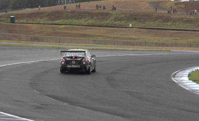 Nissan y los tests de los V8 Supercars