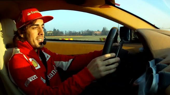 Fernando Alonso y Felipe Massa prueban el Ferrari F12berlinetta