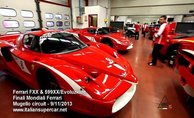 Ferrari FXX y 599XX en pista