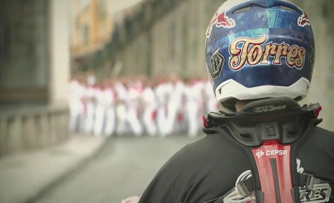 Dany Torres se da una vuelta por los Sanfermines