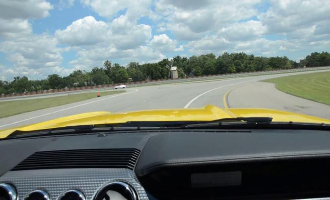 Sonido del Ford Mustang Ecoboost desde el interior