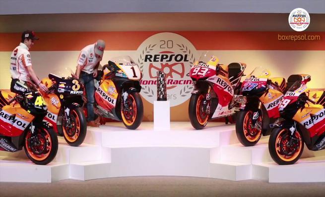 Márquez y Pedrosa con las motos campeonas del Repsol Honda