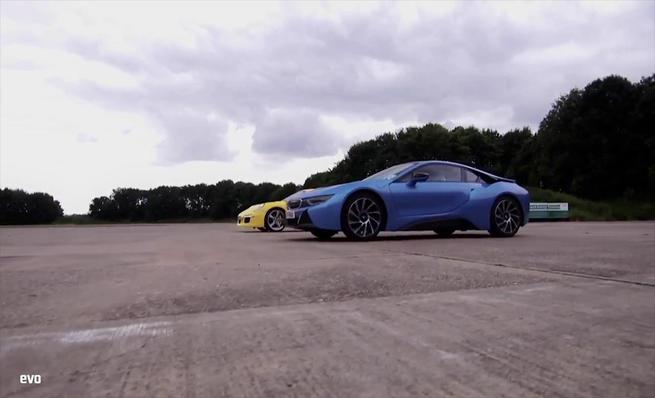 BMW i8 vs. Porsche 911 Carrera S