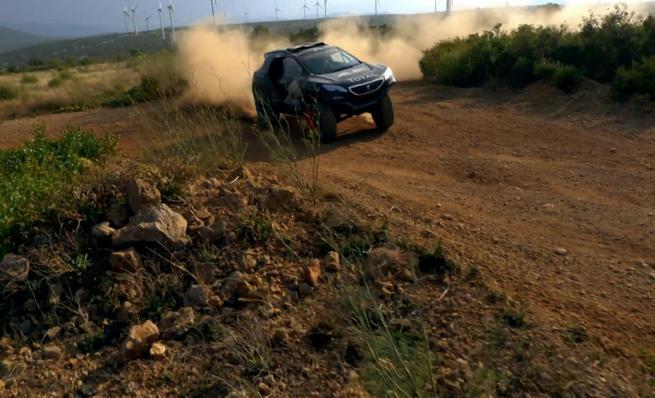 Peugeot prueba el 2008 DKR del Dakar 2015 en Francia