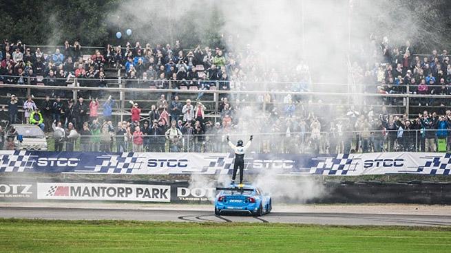 Volvo Polestar y Thed Björk ganan el Campeonato Sueco de Turismos (STCC)
