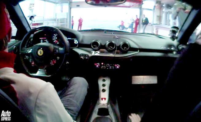 Kimi al volante del Ferrari F12