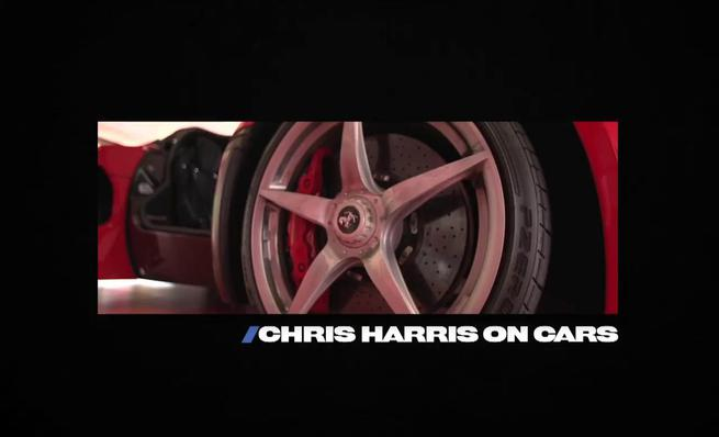 Chris Harris pasea el Ferrari LaFerrari