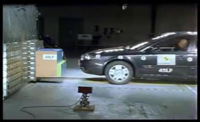 Crash Test: 2000 - Renault Laguna