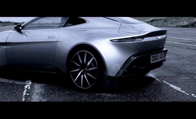 Aston Martin DB10 - Trailer