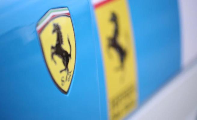 TaxTheRich100 Farmkhana: Ferrari F40 GT